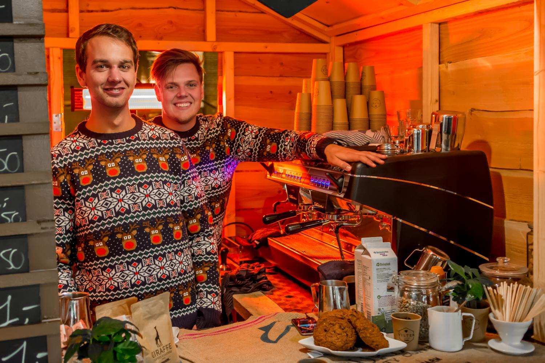 Koffie op kerstmarkt